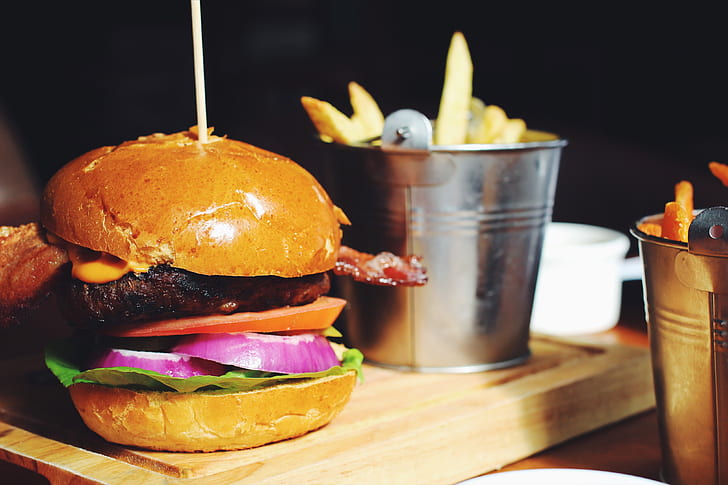 burger-restaurant-bacon-food-and-drink